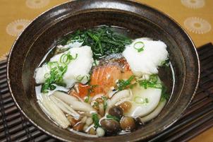 キッチンぷいぷい ちちんぷいぷい 鮭とふわふわ長芋のしょうがスープ