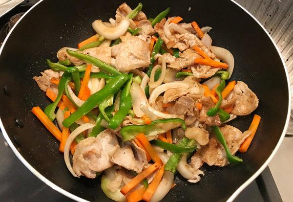 簡単パリパリ焼きそば 豚肉 野菜 オリジナルソース炒め