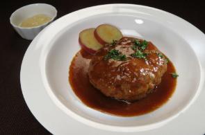 レシピ ちちんぷいぷい キッチンぷいぷい 作り方 材料 七味唐辛子を使って、煮込みハンバーグ