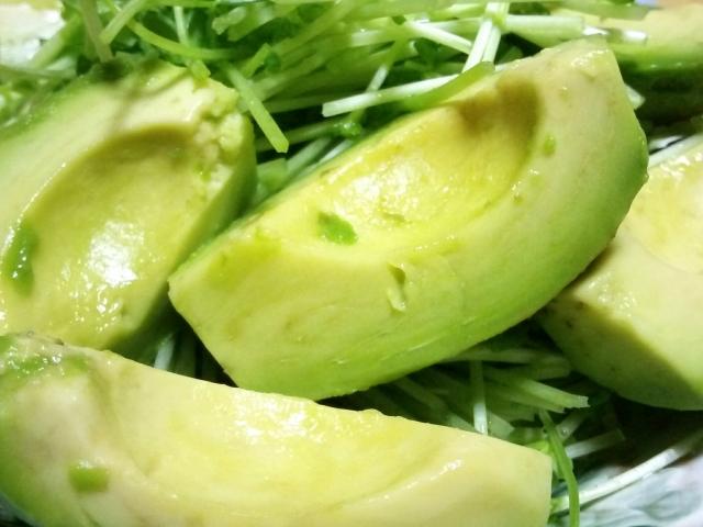 ヒルナンデス レシピ 作り方 おかずになるスープ コンビニ食材 電子レンジ 簡単レシピ アボカドと鶏ささみの味噌汁