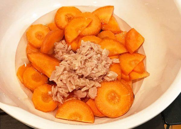 木金レシピ ニンジンとツナの煮ない煮物 耐熱ボール