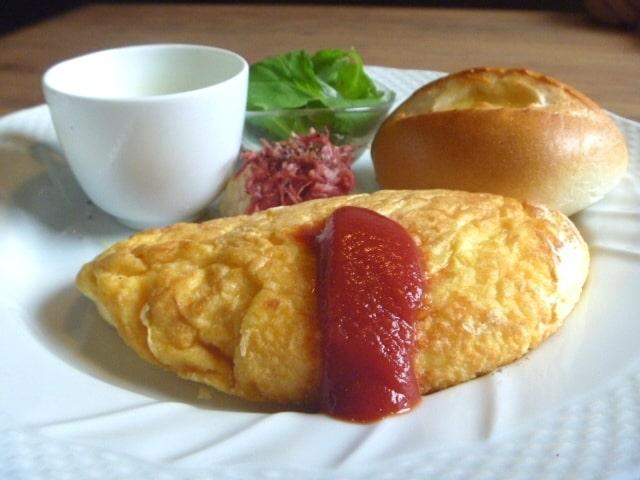 新説所JAPAN 冷凍麺 アレンジレシピ 料理研究家リュウジ バズレシピ オムレツパスタ