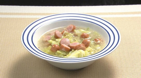 オーソレミーヨ レシピ ハイヒールモモコ 簡単 奥園先生 キャベツとソーセージのマスタードスープ