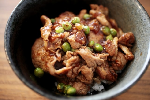 沸騰ワード レシピ 伝説の家政婦 志麻さん タサン志麻 豚らっきょう丼